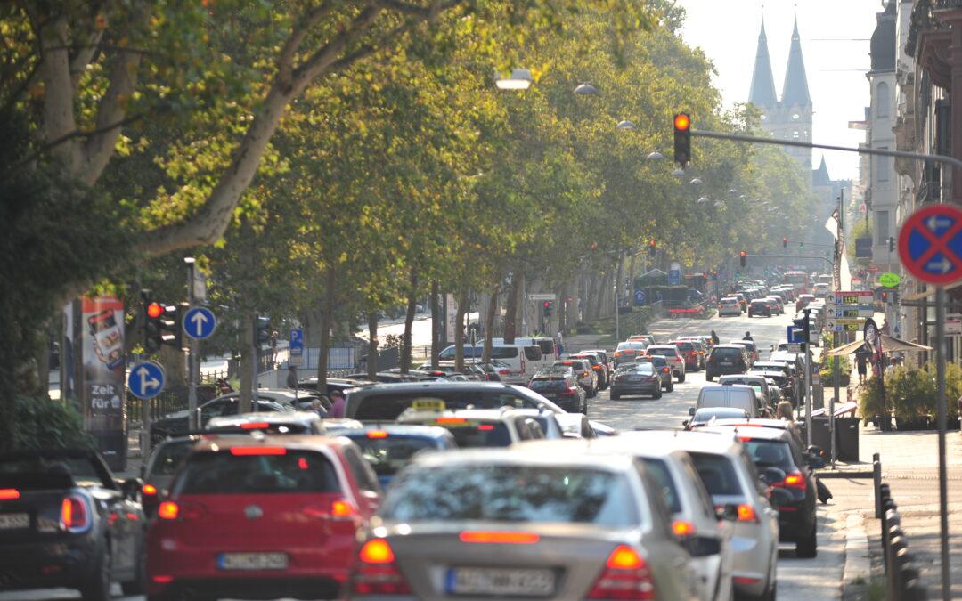 Umfrage: Das meistgenutzte Verkehrsmittel bleibt das Auto